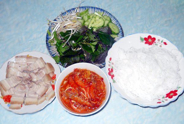 Tôm chua Hue
