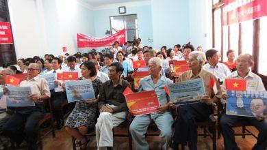Photo of TT – Huế: Mít tinh ôn hòa phản đối Trung Quốc